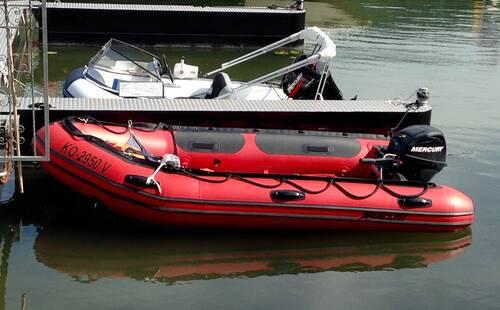 bootsverleih schlauchboot 15 ps f hrerscheinfrei river. Black Bedroom Furniture Sets. Home Design Ideas